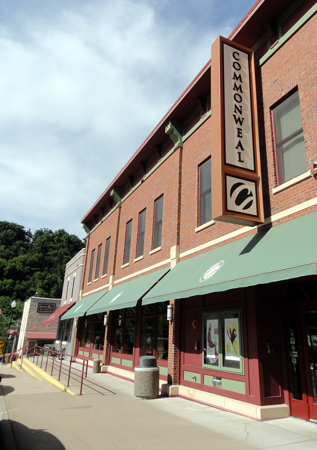Coffee Street Inn - Lodging in Lanesboro, MN - Commonweal Theater - Plays - Entertainment
