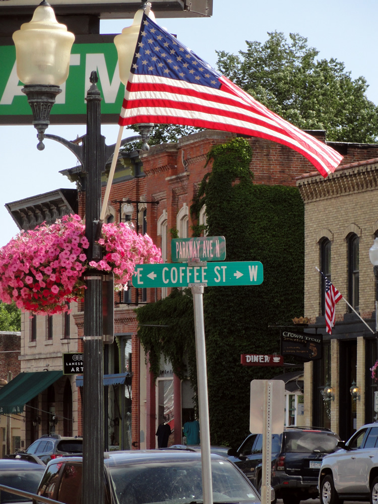 Coffee Street Inn - Lodging in Lanesboro, MN - Main Street - Shopping
